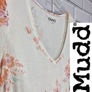 Mudd Oversized V Neck floral Cream Soft T-shirt L